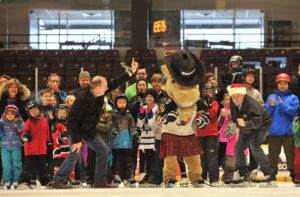 Great time on December 10, at my first Annual Christmas Family Skate at the Barrie Molson Centre in support of the Barrie Food Bank! Photo Credit: Mark Wanzel.